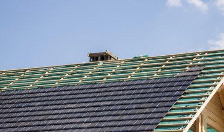 Réaliser le bardage de toiture Saint-Baudille-de-la-Tour