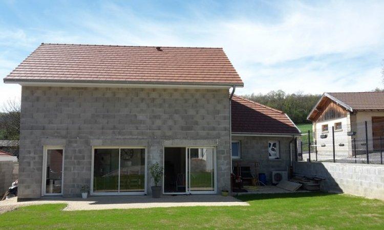 NORD ISÈRE Charpente Couverture maison neuve Saint-Baudille-de-la-Tour
